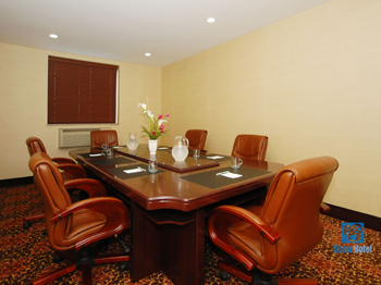 Best Western Plaza Hotel Long Island City New York Best Western Hotels In Long Island City New York Reservations Deals Discounts And More