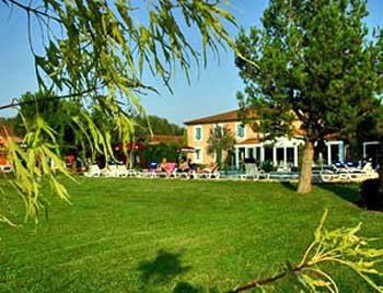 Best western le domaine de la petite isle l 39 isle sur la for Hotels isle sur la sorgue
